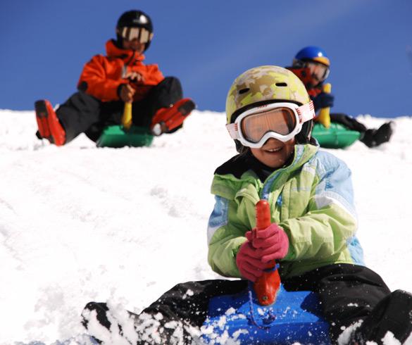 Actividades con trineo en la nieve