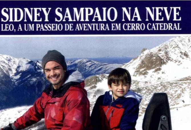 O paizão Sidney Sampaio na neve com o herdeiro